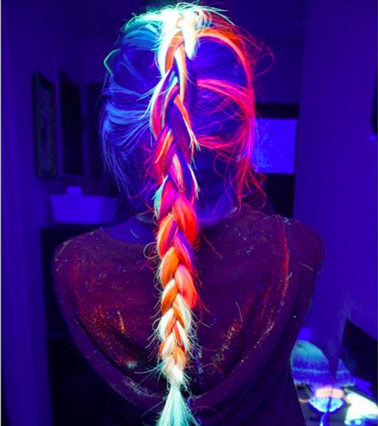 enhanced 24197 1453051993 1 - OMG, Yes, You Can Totally Make Your Hair Glow-In-The-Dark Now